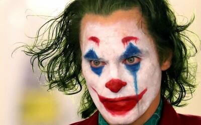 Warner už údajne pracuje na Jokerovi 2! Má byť zasadený pár rokov do budúcnosti a oplývať viacerými Batmanovými záporákmi