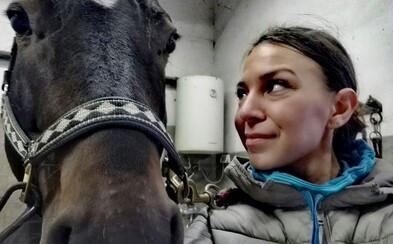 Westernová jazdkyňa zo Slovenska vyhráva preteky po celej Európe. Nebezpečný šport je aj o prestíži (Rozhovor)