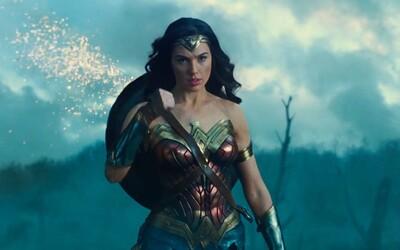 Wonder Woman v novém traileru neohroženě ničí mýtické protivníky i vojáky během první světové války