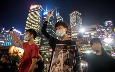YouTube, Twitter aj Facebook blokujú čínsku propagandu proti demonštráciám v Hongkongu