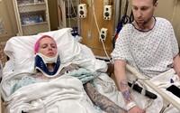 Youtuber Jeffree Star měl vážnou autonehodu, v nemocnici leží se zlomenou páteří