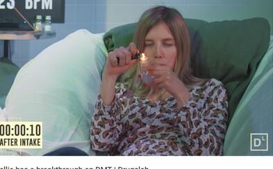 Youtuberi, ktorí drogujú pred kamerami a financuje ich samotná vláda. Ako reagujú na MDMA, amfetamín či kaktus Peyote?
