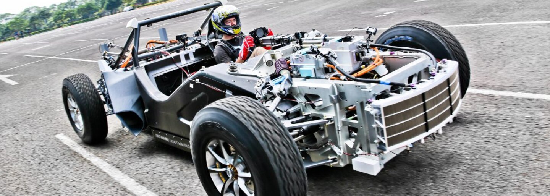Z 0 na 100 km/h vraj iba za 1,8 sekundy. Ambiciózny startup odhalil konkurenta obávaného Roadsteru od Tesly