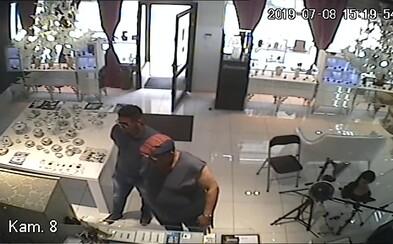 Z bratislavského zlatníctva ukradli šperky za viac ako 50 000 €