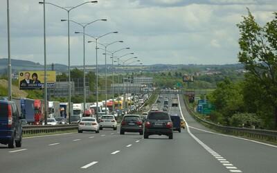 Z českých dálnic zmizí billboardy. Novinky se řidiči dočkají na začátku září letošního roku