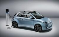 Z Fiatu 500 sa stal elektromobil. Ikonický drobec ponúkne dojazd približne 320 kilometrov