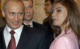 Z milenky-upratovačky mal spraviť milionárku, 700 eur stála toaletná kefa. Kto vraj Putinovi zaplatil palác za miliardu eur?
