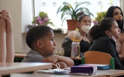 Z mnoha romských studentů se stávají lékaři, právníci nebo biologové. Nejhorší jsou předsudky společnosti, říká Štefan Balog
