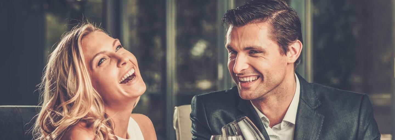 Z najhorších zážitkov na prvých rande vybuchneš smiechom. Ľudia trávili večery s nesprávnymi osobami alebo mali dohodnutých viac žien naraz