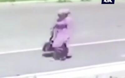 Z nemocnice uniesla v športovej taške dieťa. Predala ho za vyše 1 800 €