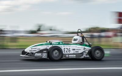 Z nuly na sto km/h za 1,779 sekundy. Nemecká formula pokorila svetový rekord