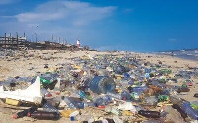 Z oceánu vylovili vyše 700 kilogramov odpadu. Prekonali rekord a zapísali sa do Guinnessovej knihy