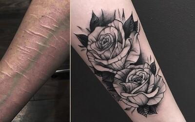 Z pokusů o sebevraždu mohou zůstat jizvy. Když Ryanovi slíbíš, že si nevezmeš život, zranění ti zdarma zakryje skvělým tetováním