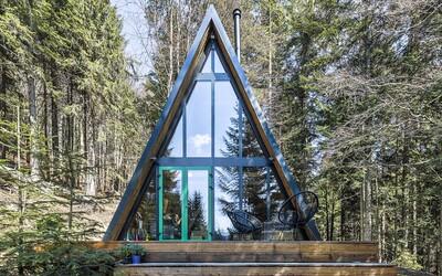 Za 55 000 € premenili chatu na Donovaloch zo 70. rokov na dokonalý úkryt pred okolitým svetom