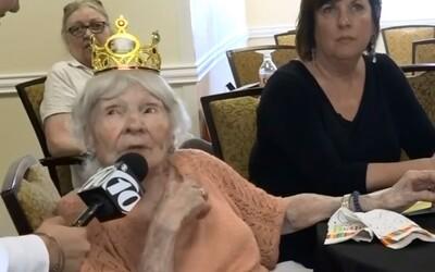 Za dlouhověkost vděčím alkoholu, cigaretám a nočním večírkům, tvrdí 105letá babička