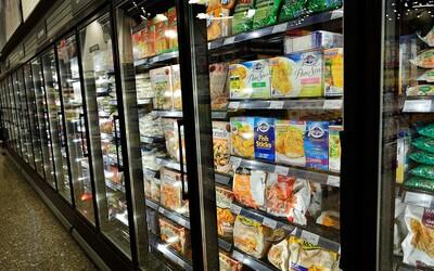 Za mrazáky v supermarketu našli mrtvé tělo pracovníka, který zmizel před 10 lety