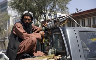 Za taxi platí ženami, muži padají z letadla. Co se děje v Afghánistánu a jak Taliban ovlivní Evropu?