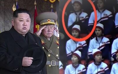 Za toto ju Kim čong-un nepochváli: Severokórejská roztlieskavačka bola prichytená, ako tlieska americkému tímu
