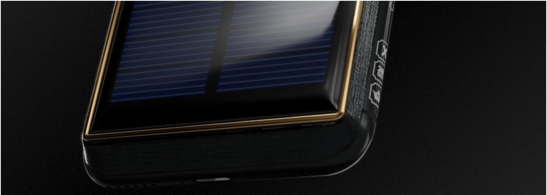 """Za vylepšený iPhone X """"Tesla"""" si ruská firma pýta takmer 4000 eur. Disponuje aj samostatne nabíjacím solárnym panelom"""
