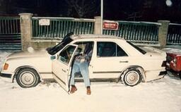 Zabíjení jako výnosný byznys: na dně Orlické přehrady i uprostřed McDonaldu. Takhle se vraždilo v Česku v 90. letech