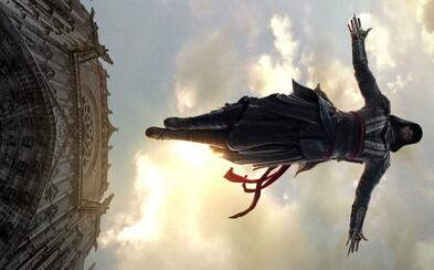 Zabite templárov po boku Michaela Fassbendera v novej ukážke z očakávaného decembrového blockbusteru