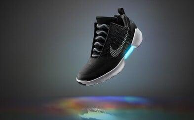 Zapomeňte na Nike Mag. Automatické šněrování se s HyperAdapt 1.0 stane komerční záležitostí