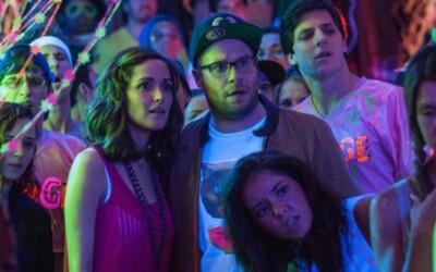 Zac Efron a Seth Rogen v ďalšom traileri komédie Neighbors