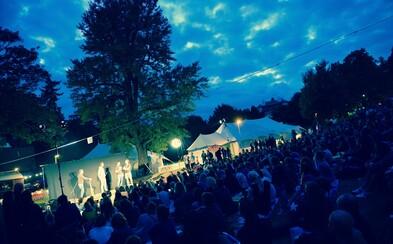 Začíná 14. ročník festivalu Letní Letná. Nech se unést do magického světa nového cirkusu a zažij velkolepou podívanou