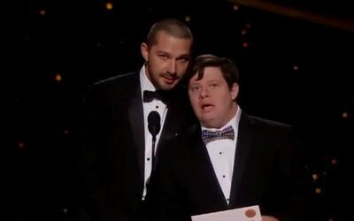 Zack Gottsagen se stal prvním člověkem s Downovým syndromem, který předával Oscara