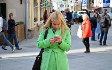 Žádná hlášení, jen palba nejhrubších vulgarit: 21letá dívka z Ostravy volala 319krát na policii