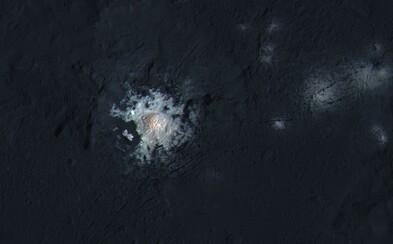 Záhadné svetlá Ceresu najnovšie vidno na maximálnych detailoch. Sonde DAWN zostáva zostúpiť posledné desiatky kilometrov