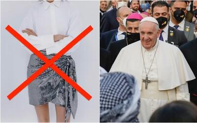 Zahalené kolená a čierne obleky. Prezidentská kancelária vydala odporúčanie, ako sa obliecť na návštevu pápeža