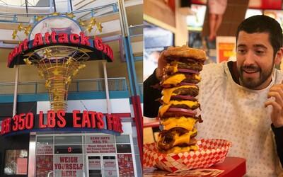 Zákazníci nad 160 kíl jedia zdarma, ale dvaja už zomreli a nechýbal ani infarkt. Reštaurácia v Las Vegas ponúka extrémny zážitok