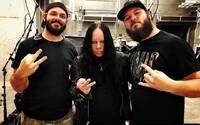 Zakladajúci člen Slipknotu Joey Jordison zomrel vo veku 46 rokov. Kapela reagovala na jeho smrť nastavením čiernej profilovky