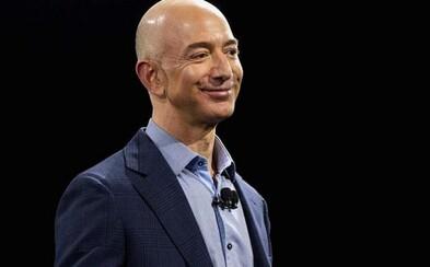 Zakladateľ Amazonu sa stal najbohatším človekom sveta. Jeff Bezos začínal v garáži, dnes vlastní majetok v hodnote skoro 100 miliárd dolárov