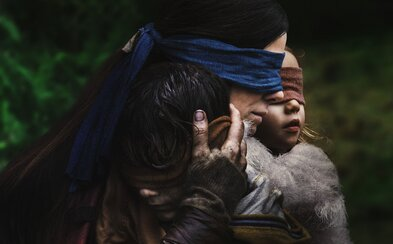 Zakry si oči, inak zomrieš! Sandra Bullock konkuruje v napínavom horore Tichému miestu