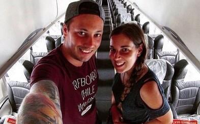Zaľúbený pár zostal prekvapený, keď mal celý let pre seba. Jediní pasažieri na palube zažili s posádkou kopec zábavy