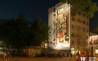 Zanedbanú budovu na Obchodnej v Bratislave skrášlil nový street art. Obrovské umelecké dielo posiela Slovákom aj jasný odkaz