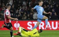 Zápas dvou půlí: Slavia podlehla Feyenoordu 1:2 kvůli hororovému poločasu