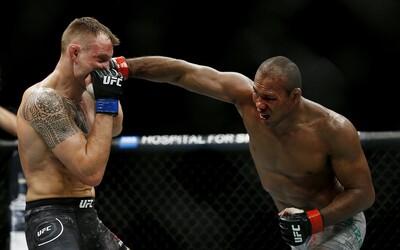 Zápasník UFC má koronavírus, dnes mal bojovať na jednom z najočakávanejších turnajov. Nakazili sa aj členovia jeho tímu