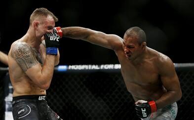 Zápasník UFC má koronavirus, dnes měl bojovat na jednom z nejočekávanějších turnajů. Nakazili se i členové jeho týmu