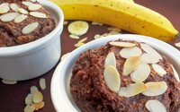 Zapekaná ovsená kaša s banánom a kakaom. Neobsahuje žiadny cukor, múku ani olej (Recept)