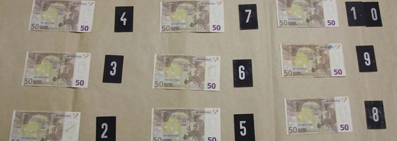 Zaplatili falošnými bankovkami, namiesto pervitínu dostali sódu bikarbónu. Díleri a narkomani sa v Chebe podviedli navzájom
