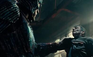 Záporák Steppenwolf útočí na planétu Zem v epickej ukážke tímovky Justice League za zvukov skvelého soundtracku Dannyho Elfmana
