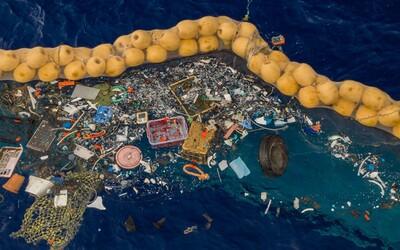 Zařízení vyrobené pro sběr odpadu z oceánu konečně funguje, tvrdí vynálezce