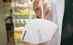 Zavedení povinných respirátorů v MHD a v obchodech? Babiš i Blatný jsou pro