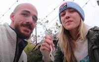 Zavražděné tělo youtuberky Gabby Petito už našli, ale její snoubenec je nezvěstný. Měsíce žil v divočině, přežil by v močálech?