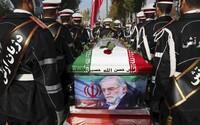 Zavraždili íránského šéfa výzkumu jaderných zbraní. Írán se chce mstít a ukazuje na Izrael
