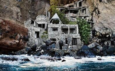 Zaži svoj kúsok raja v dome na karibskom ostrove. Postavený bol z kostí veľrýb či kameňa a dovolenku v ňom môžeš prežiť aj ty