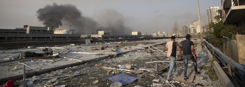 Záznam: Exploze v Bejrútu zabila více než 100 lidí. Zraněné jsou tisíce lidí
